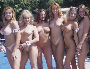 content/043015_august_2000_nudes_a_poppin_photos/2.jpg