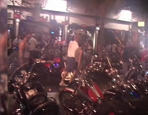 content/050914_badass_biker_girls_partying_naked_in_key_west_florida/1.jpg