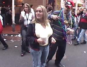 content/061616_some_girls_flashing_in_this_mardi_gras_new_orleans_home_video/4.jpg
