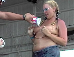 content/062017_neverbeforeseen_abate_of_iowa_biker_rally_strip_contest_july_4_2003/2.jpg
