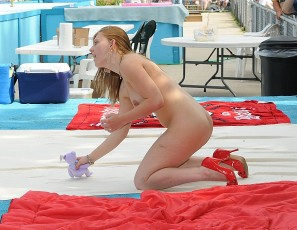 content/070314_2009_photos_of_the_nudes_a_poppin_show_shot_by_vman/1.jpg