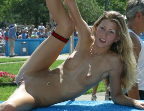content/073015_nudes_a_poppin_august_2002_photos_shot_by_brian/4.jpg