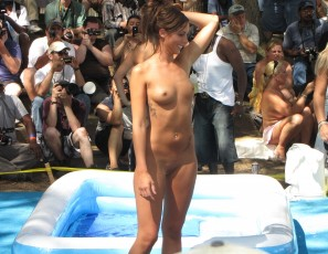 content/080615_nudes_a_poppin_2010_photos_shot_by_brian/3.jpg